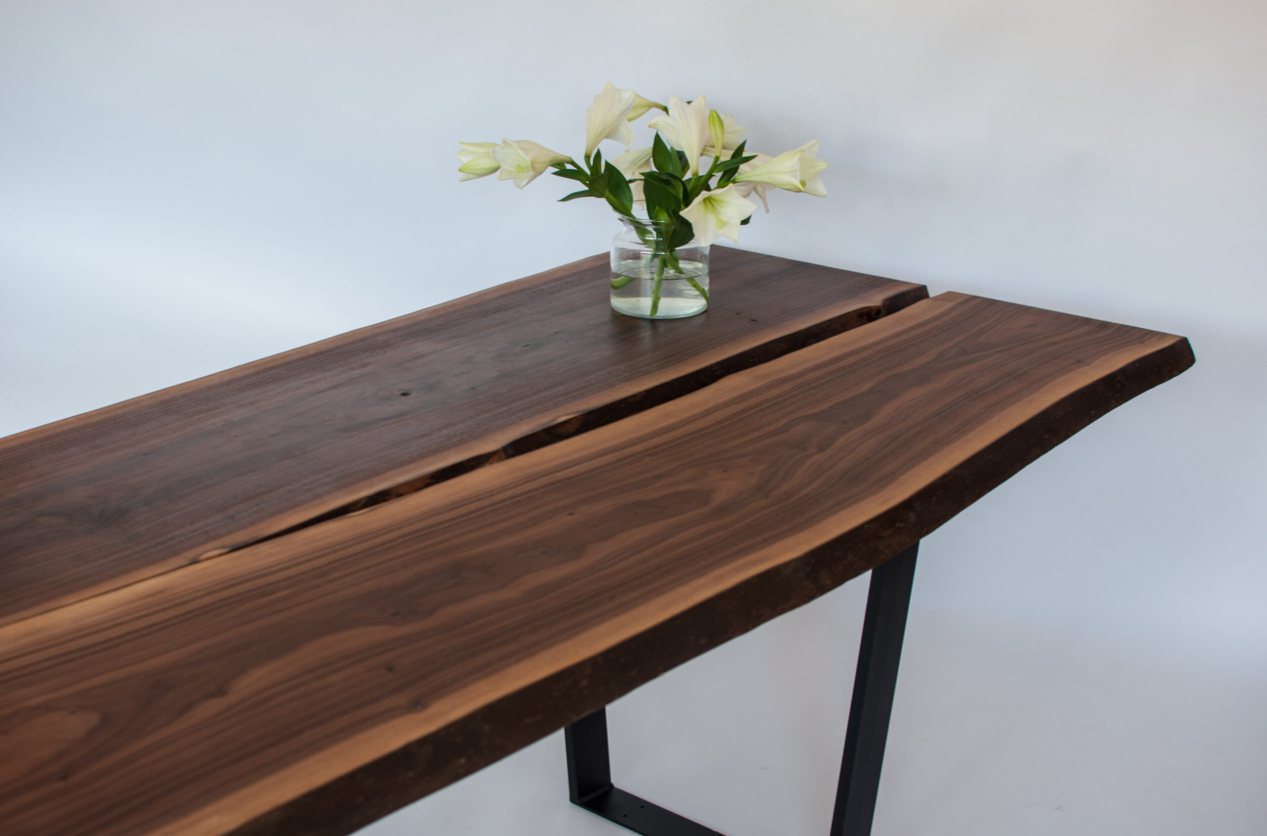 Stůl americký ořech